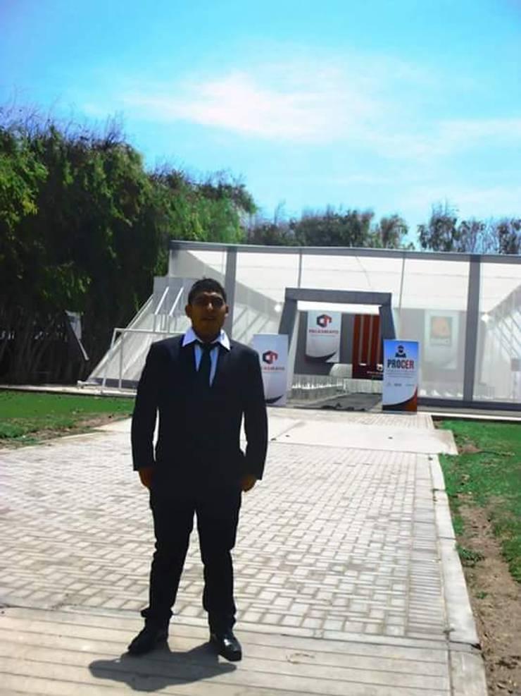 Maestro de obra: Casas multifamiliares de estilo  por G&A s.a, Moderno Concreto reforzado