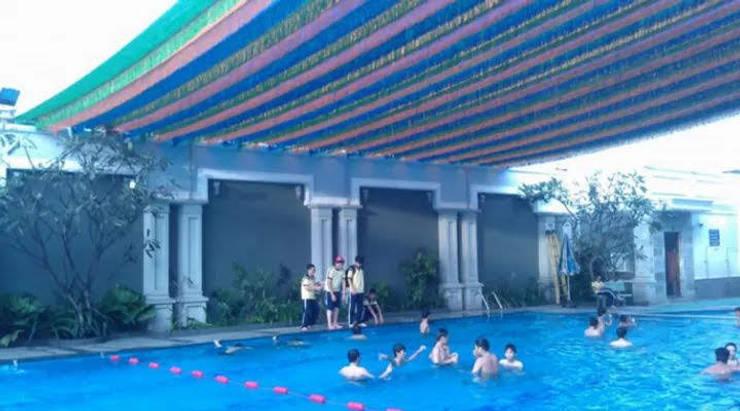 BAT CHE NANG MUA PHU THANH:  Mái hiên by MAI HIEN DI DONG HA NOI 0945158931