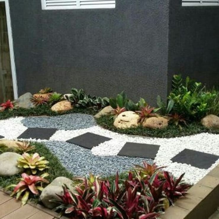 Taman kering dalam ruangan Oleh Gardener Landscape Minimalis
