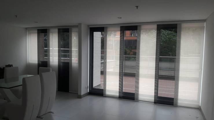 Panel japonés combinado :  de estilo  por Casa Victoria persianas, Moderno