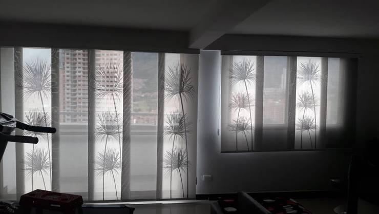 Panel japonés personalizado :  de estilo  por Casa Victoria persianas, Moderno