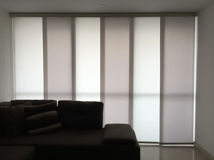 Panel japonés de casa Victoria :  de estilo  por Casa Victoria persianas, Moderno