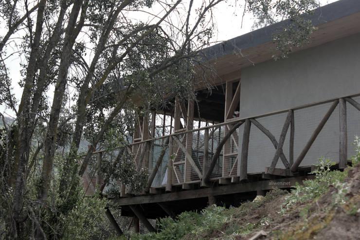 CASA MALLARAUCO – diseño y construcción – Mallarauco / Melipilla / Santiago: Casas ecológicas de estilo  por ALIWEN arquitectura & construcción sustentable - Santiago