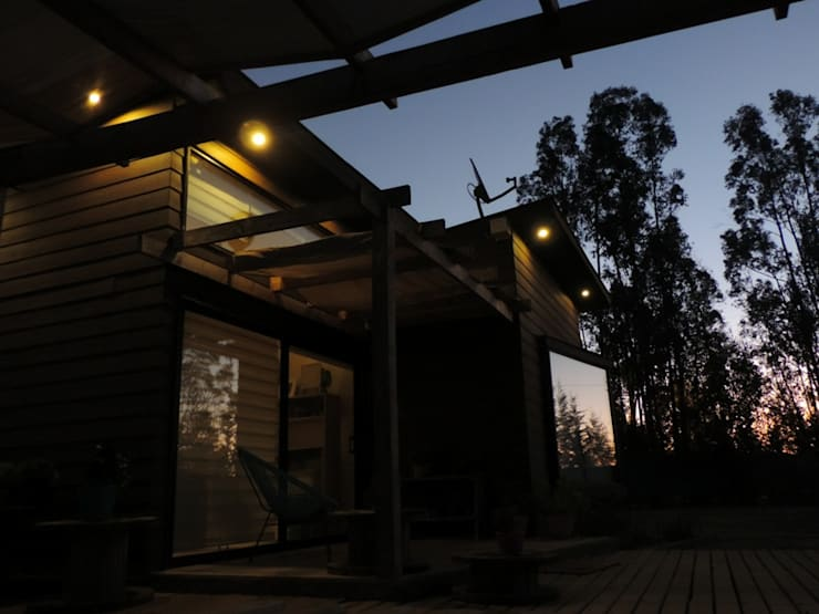 Maisons de plain-pied de style  par Camps Arquitectura, Moderne