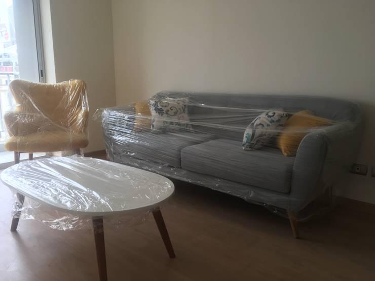 PROYECTO EXCELLENCE - SALA: Salas / recibidores de estilo  por NF Diseño de Interiores
