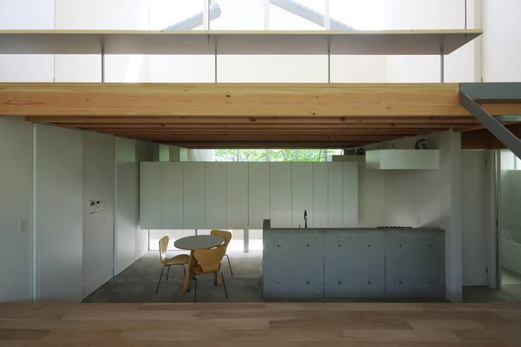Scandinavian style kitchen by 株式会社 空間建築-傳 Scandinavian