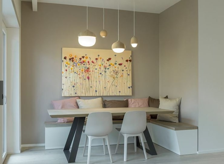 Dining room by decormyplace