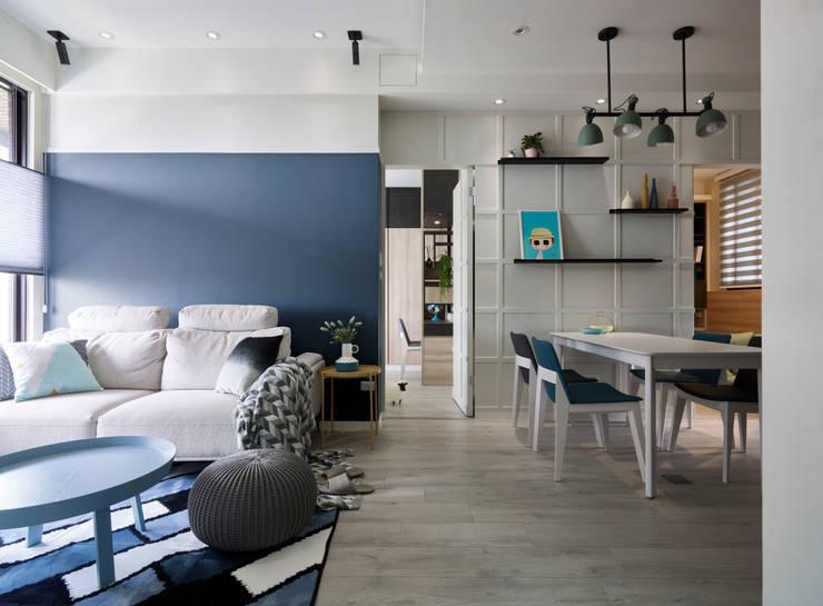 淺灰藍格:  走廊 & 玄關 by 耀昀創意設計有限公司/Alfonso Ideas