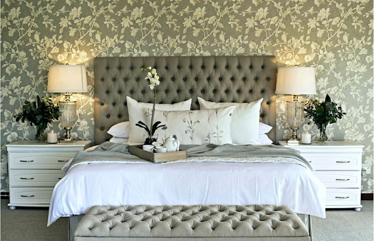 Country Inspired Master Bedroom:  Bedroom by Joseph Avnon Interiors