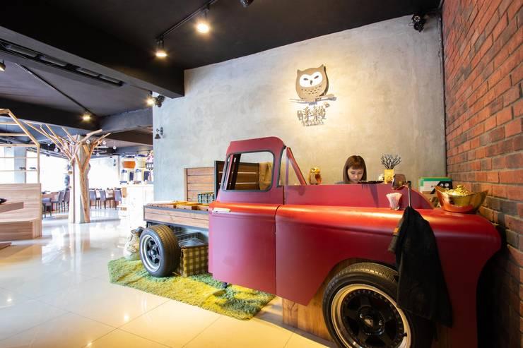 呼穀壽喜燒:  餐廳 by NO5WorkRoom