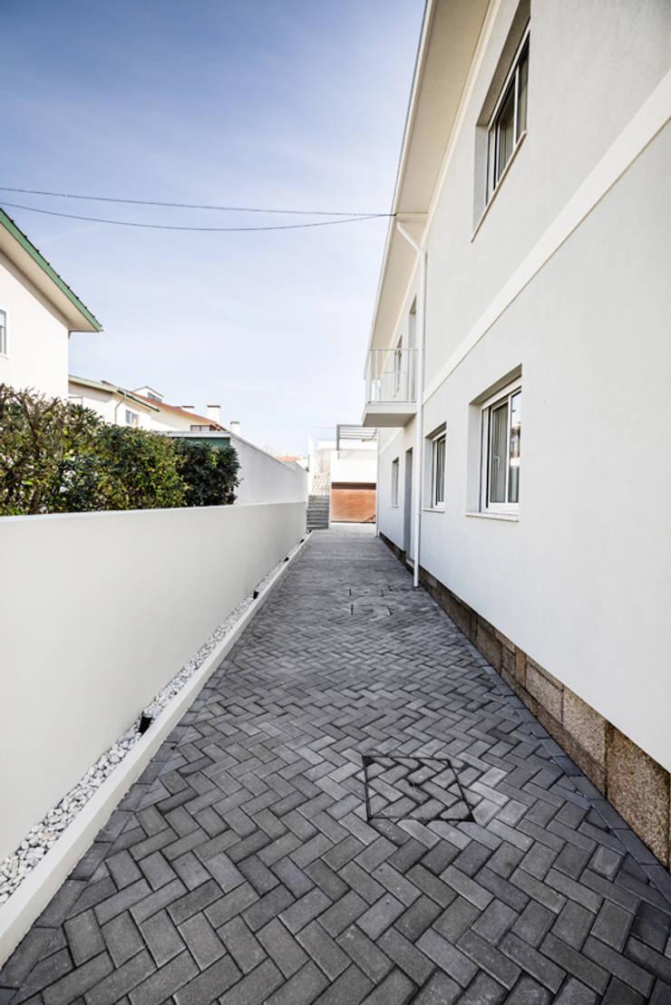 Terrace house by SHI Studio, Sheila Moura Azevedo Interior Design, Modern