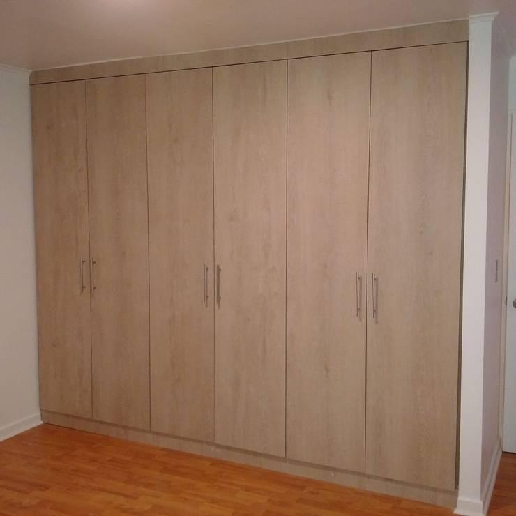 AMPLIACION DRAGONES DE LA REINA: Dormitorios pequeños de estilo  por AOG