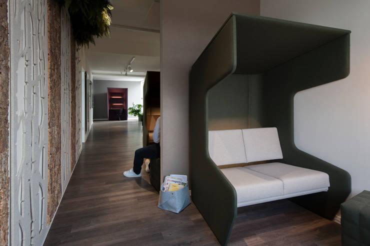 Wie nutze ich clever eine Flurzone?:  Bürogebäude von Kaldma Interiors - Interior Design aus Karlsruhe,