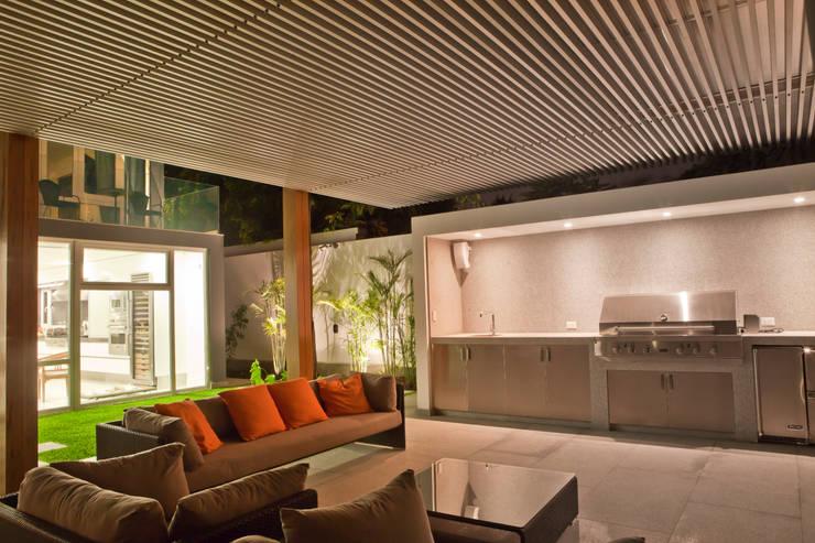 Terrace by TRAZZO ILUMINACIÓN