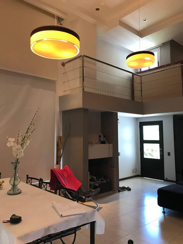 Casa NC: Livings de estilo  por Luis Barberis Arquitectos,