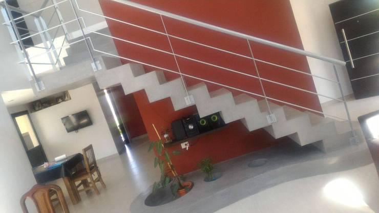 Лестницы в . Автор – Luis Barberis Arquitectos, Минимализм