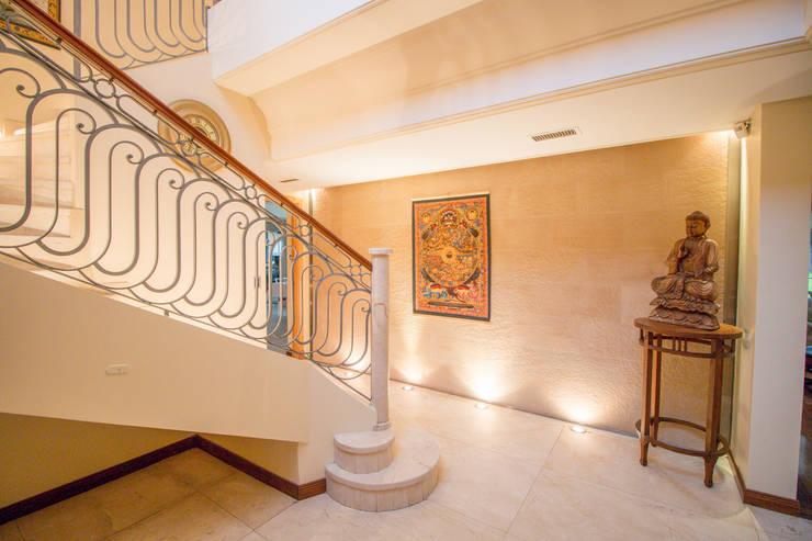 Cầu thang theo Luis Barberis Arquitectos, Chiết trung Đá hoa