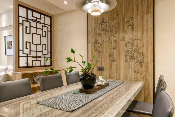 自然質樸-翊盛新天地:  餐廳 by 富亞室內裝修設計工程有限公司