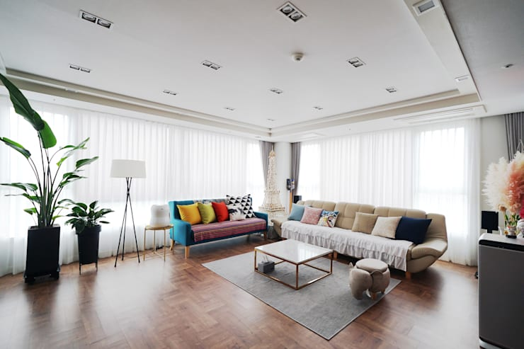 Ruang Keluarga by 디자인 아버