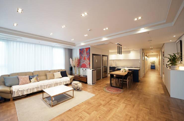 Salas / recibidores de estilo  por 디자인 아버