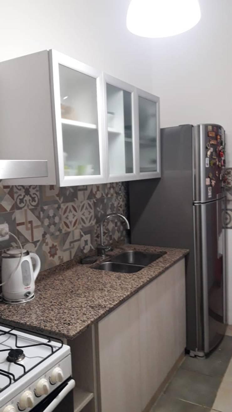 Reforma de cocina: Cocinas de estilo  por A3 arquitectas - Salta,