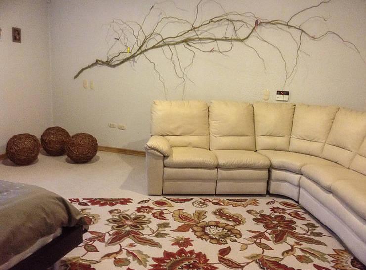 Casa Machali, Rancagua: Dormitorios de estilo  por Agapanto