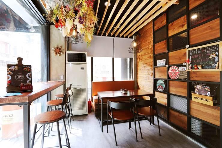 MOVE 早午餐:  餐廳 by NO5WorkRoom