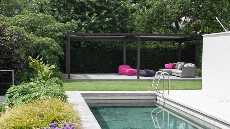 Jardines de estilo  por Markisen Zanker im Raum Stuttgart