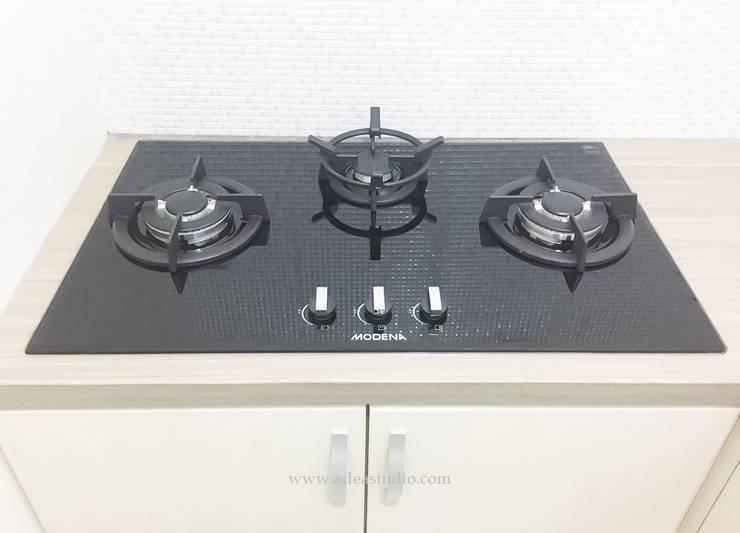 Kitchen:  Kitchen by ADEA Studio