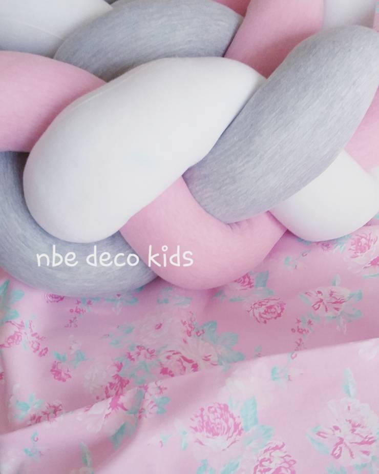 Deco: Habitaciones para niñas de estilo  por NBe DECO,