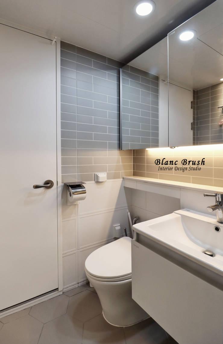 Bathroom by 블랑브러쉬, Modern