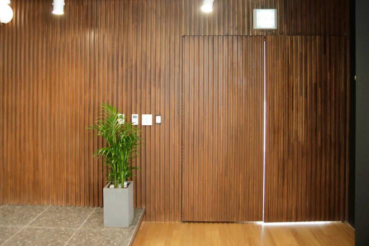 LH 판교제2테크노밸리 기업성장센터, 내추럴 컨셉 오피스 인테리어: 그리다집의  ,
