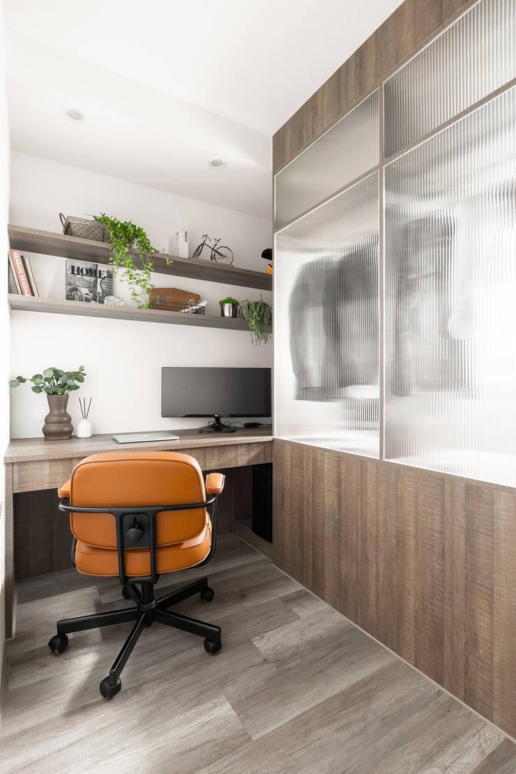 豆米屋:  書房/辦公室 by 寓子設計