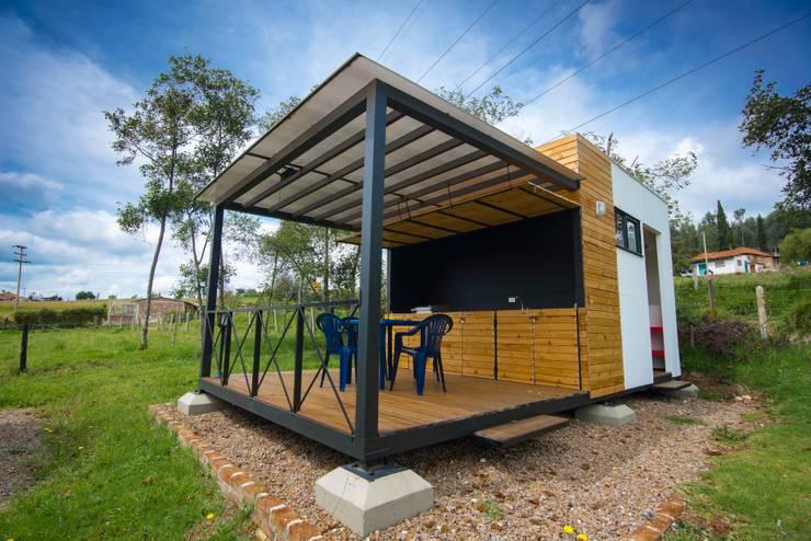 Modulo Barbecue + baños: Casas campestres de estilo  por Camacho Estudio de Arquitectura