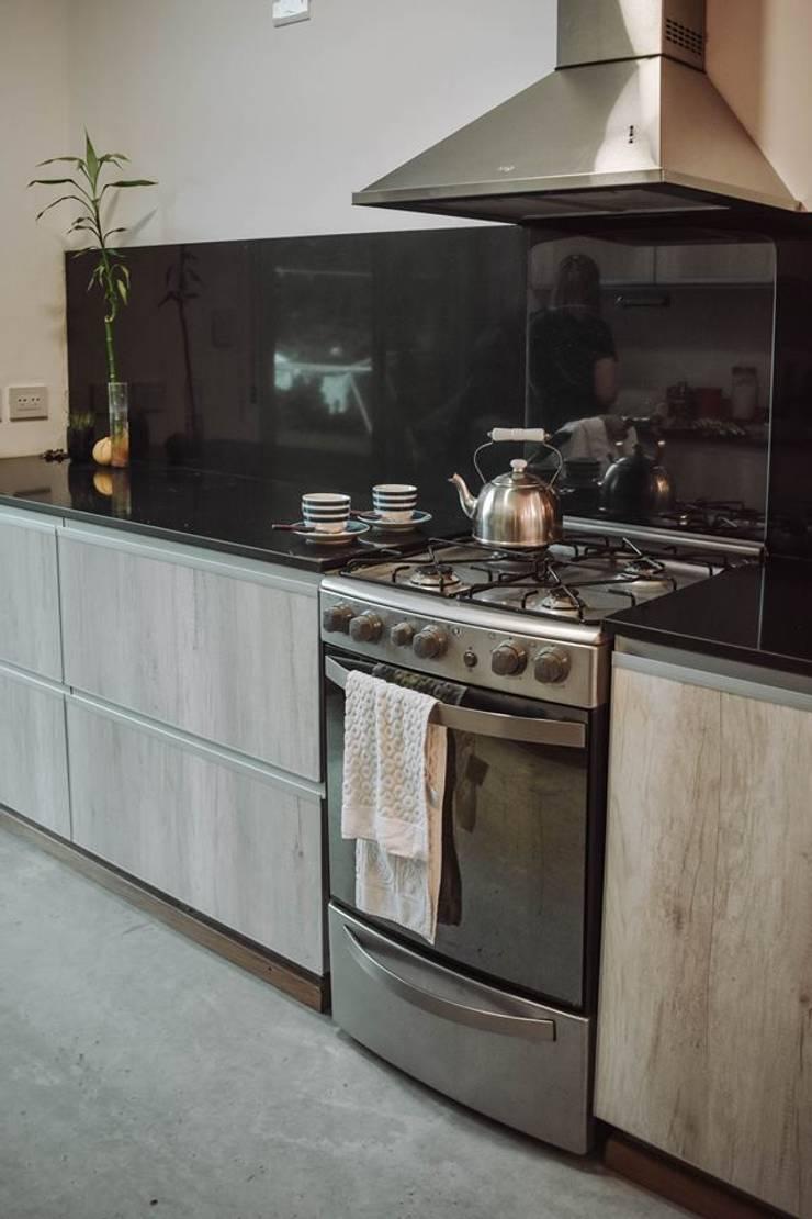 Reforma Casa JN: Cocinas de estilo  por ERA - Estudio Rosarino de Arquitectura,