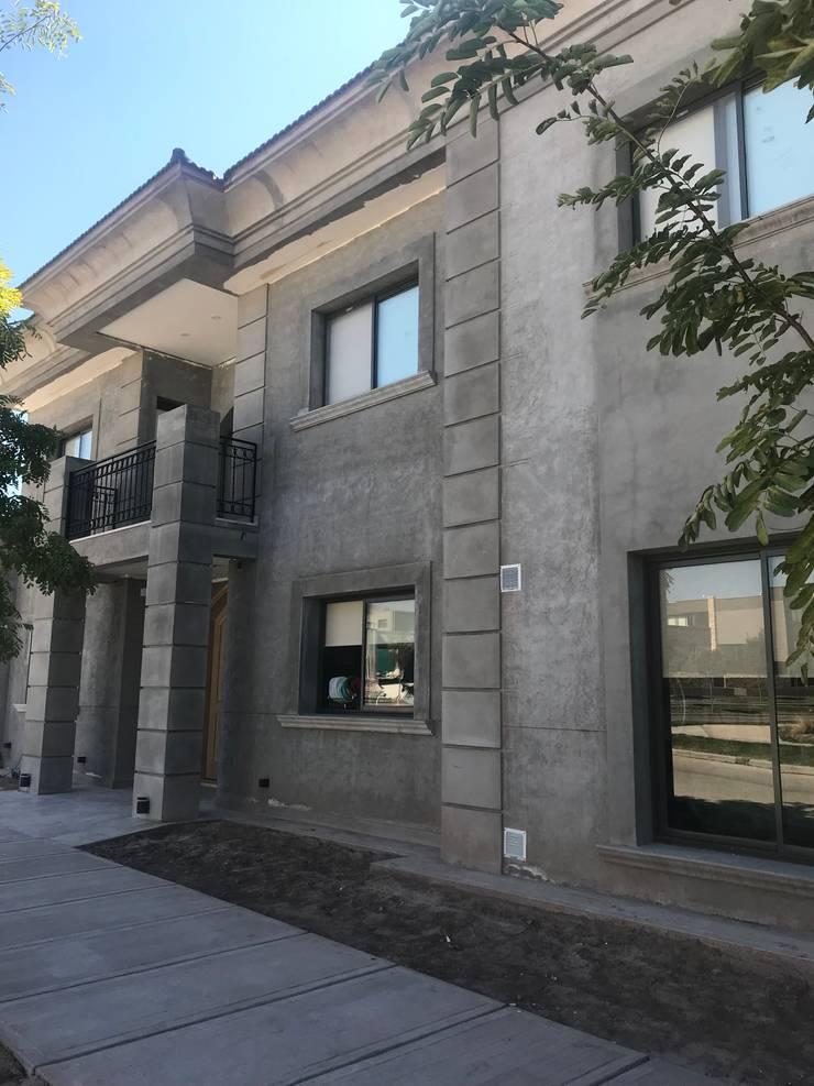 CASA LA BASTILLA M5: Casas unifamiliares de estilo  por MABEL ABASOLO ARQUITECTURA,