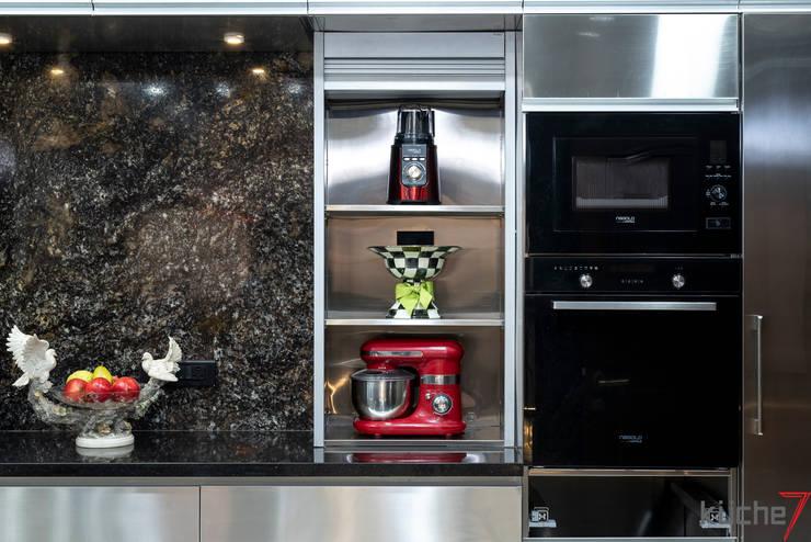Kitchen units by Küche7 , Modern
