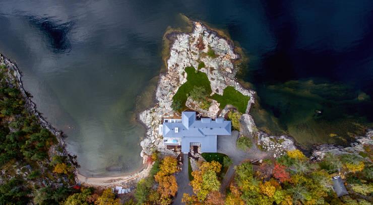 Contemporary Cottages in Ontario:  Garden by Trevor McIvor Architect Inc