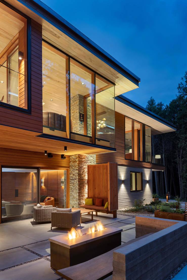 Custom Homes in Ontario:  Patios & Decks by Trevor McIvor Architect Inc