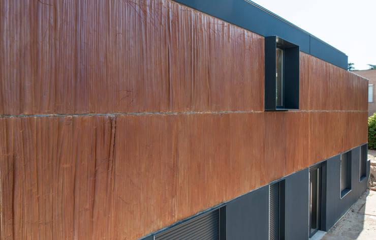 Fachada principal: Casas prefabricadas de estilo  de MODULAR HOME,