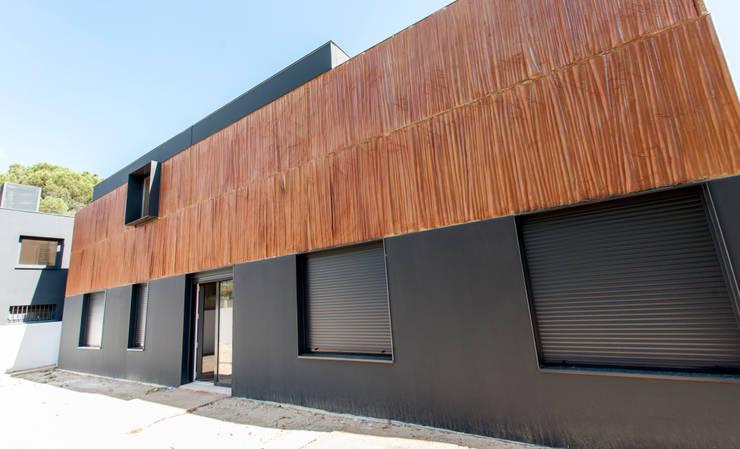 Composición de fachada : Casas prefabricadas de estilo  de MODULAR HOME,