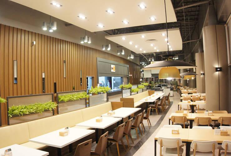 식음공간-인천공항청사: DB DESIGN Co., LTD.의  레스토랑,