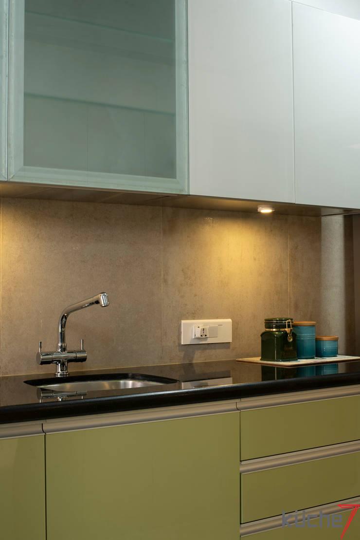 Kitchen units by Küche7 , Modern Iron/Steel