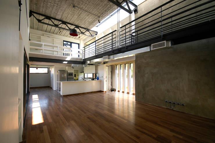 Casa Liana: Casas unifamiliares de estilo  por Favio Guadagna,