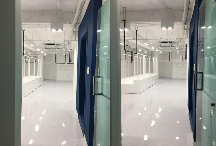 상업공간-명품편집샵 인더톤: DB DESIGN Co., LTD.의  상업 공간,