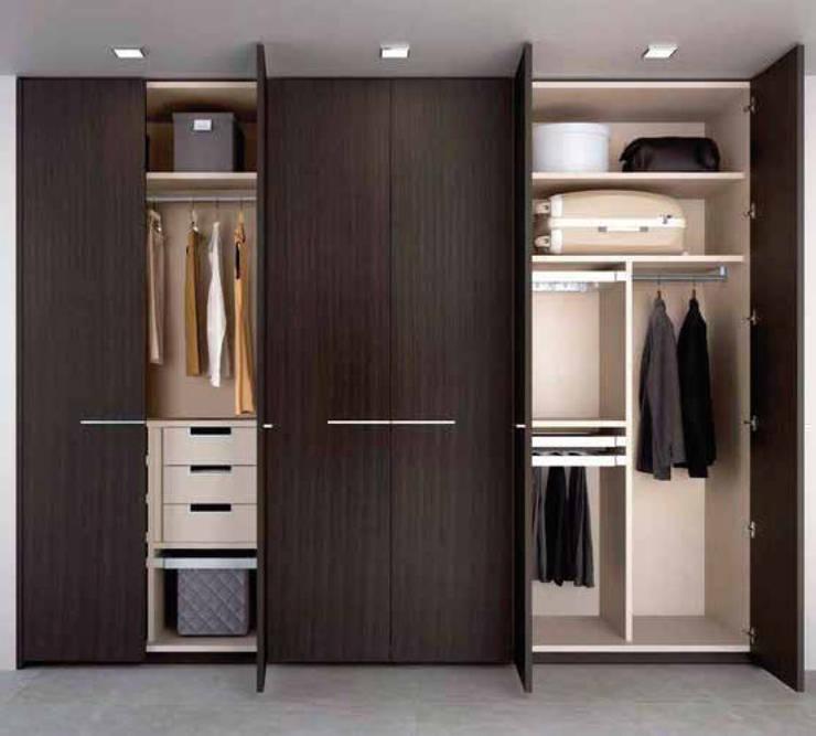 Closet: minimalist  by Modula, Minimalist