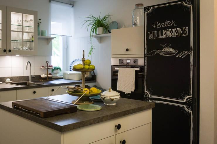 Küche:  Einbauküche von DER KÜCHENMEIER