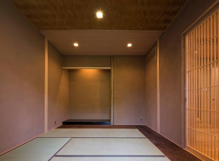Oleh スタジオクランツォ Asia Kayu Wood effect