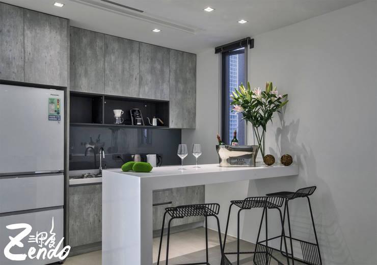 層峰:  廚房 by Zendo 深度空間設計