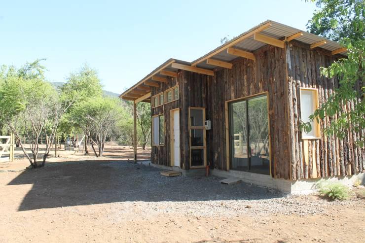 Fachada Casa Bosque: Casas ecológicas de estilo  por L2 Arquitectura